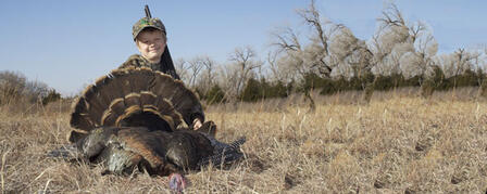 GOVERNOR'S TURKEY HUNT SEEKS YOUNG HUNTERS