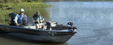 TEN TIPS FOR SAFE BOATING