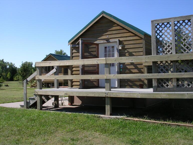 Cabin #7 Nighthawk Deck / Cheney Gallery / Cheney / Locations / State Parks  / KDWPT - KDWPT