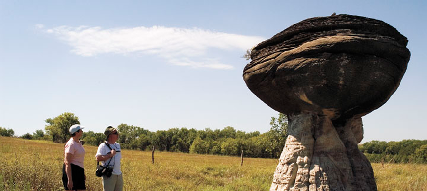 Mushroom-Rock-State-Park-Visitors