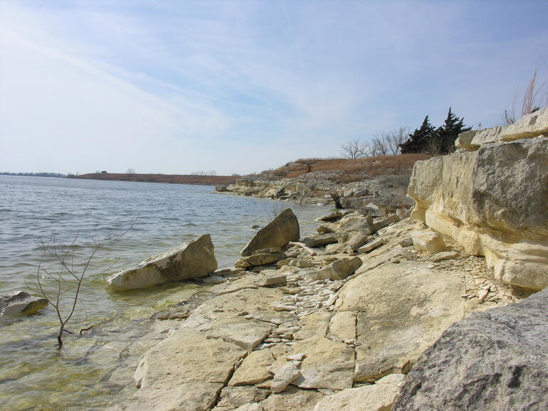Lakeview Shoreline - Webster Reservoir