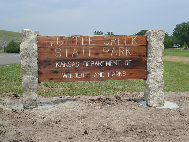 Sign at east entrance to Tuttle Creek State Park